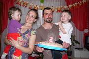 Семья с двумя детьми снимет квартиру(желательно недорого)